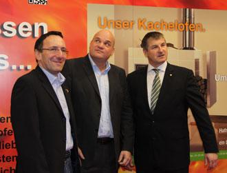 Gleich am ersten Messetag besuchten auch Spitzenfunktionäre der Rauchfangkehrer den KOV-Stand. (v.l.n.r.:) KommR. Josef Rejmar (LIM Wien), DI Dr. Thomas Schiffert (KOV) und Peter Engelbrechtsmüller (BIM Rauchfangkehrer).
